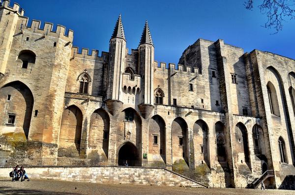 Imposing Pope's Palace in Avignon, France [PHOTO]  #travel #LP #Photo #France http://t.co/SP9aDW2sGg