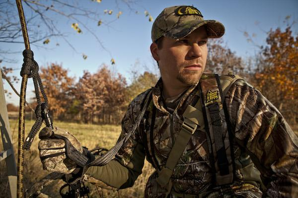 Don't forget that August is Tree Stand Safety Awareness Month! #HunterSafetySystem #TSSA #HuntSafe http://t.co/wMXOp1K1h5