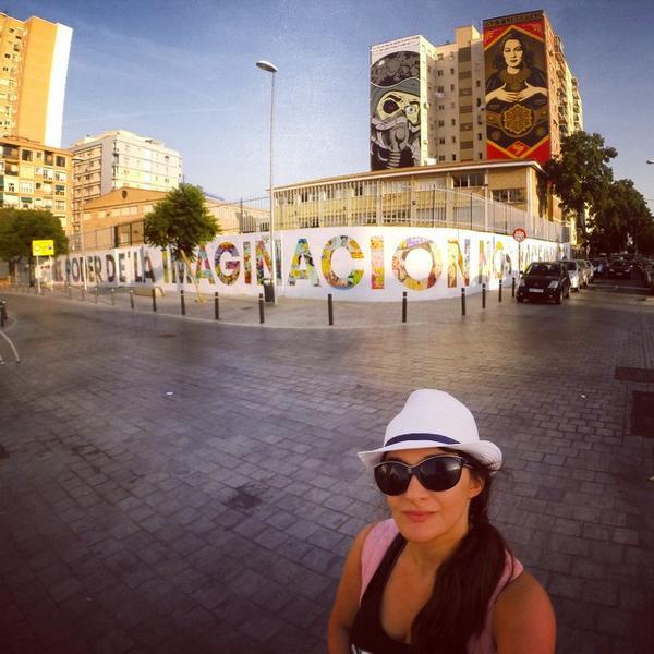 """""""El poder de la imaginación nos hace infinitos"""" El muro por los geniales @boamistura en el CP García Lorca de #Málaga http://t.co/PDyAslEbIP"""