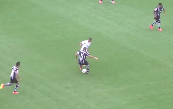 BuxcN4GCMAALnb0 NUTS! Robinho shines on his Santos return v Corinthians [Video]