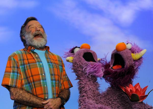 We mourn the loss of our friend Robin Williams, who always made us laugh and smile. http://t.co/UOY8LTjVRA