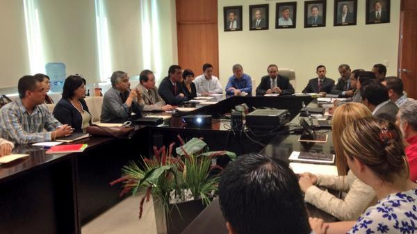 COBAED (@COBAEDoficial): Inicia con la presencia del Secretario @HectorVelaV la reunion CEPPEMS en oficinas COBAED presidiendo @Jaime_BarriosV http://t.co/W45m6Xfe3K