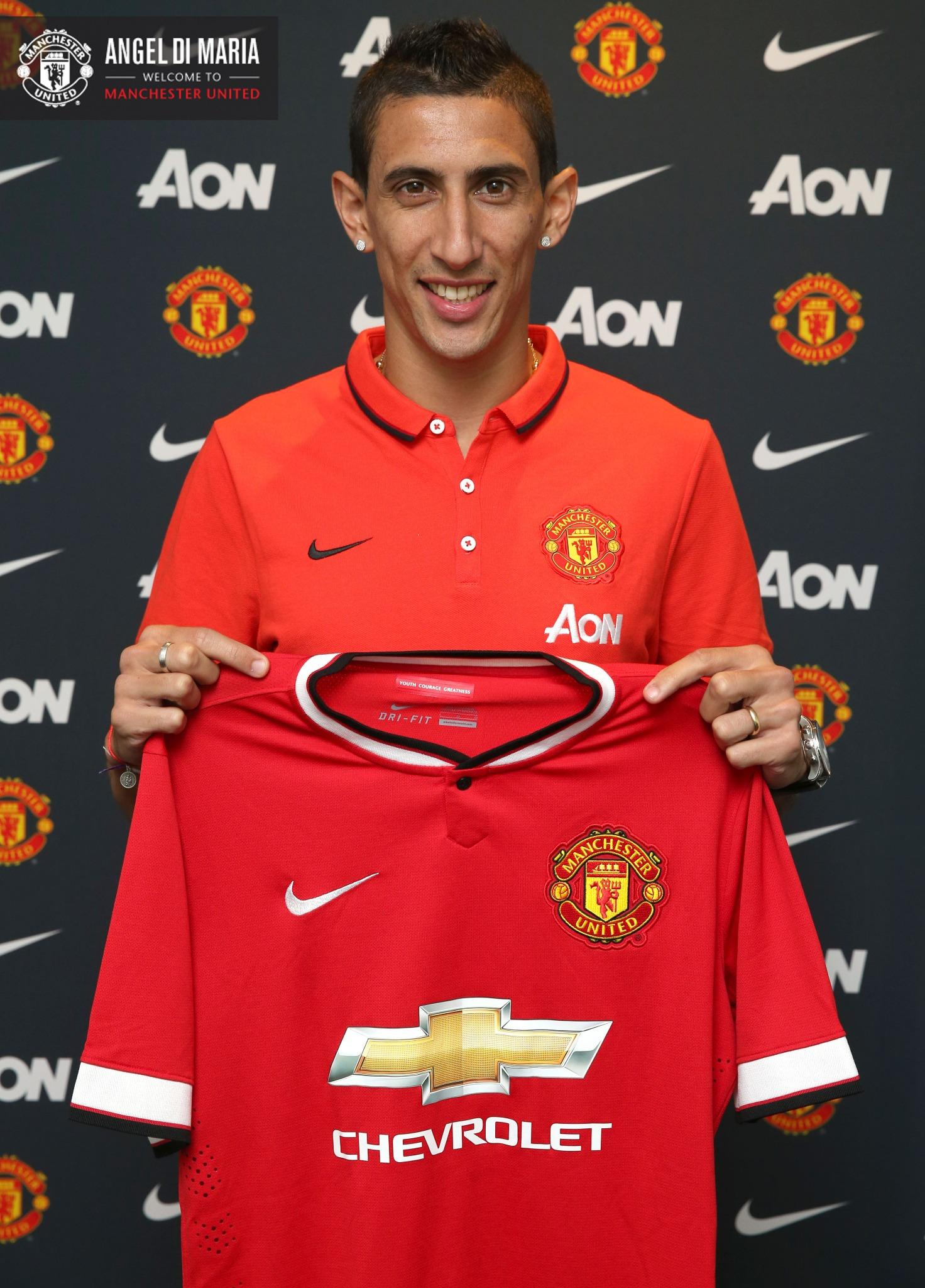 BREAKING: Angel Di Maria has completed his move to #mufc for a British record fee of £59.7m. http://t.co/C2cKU4wZU7