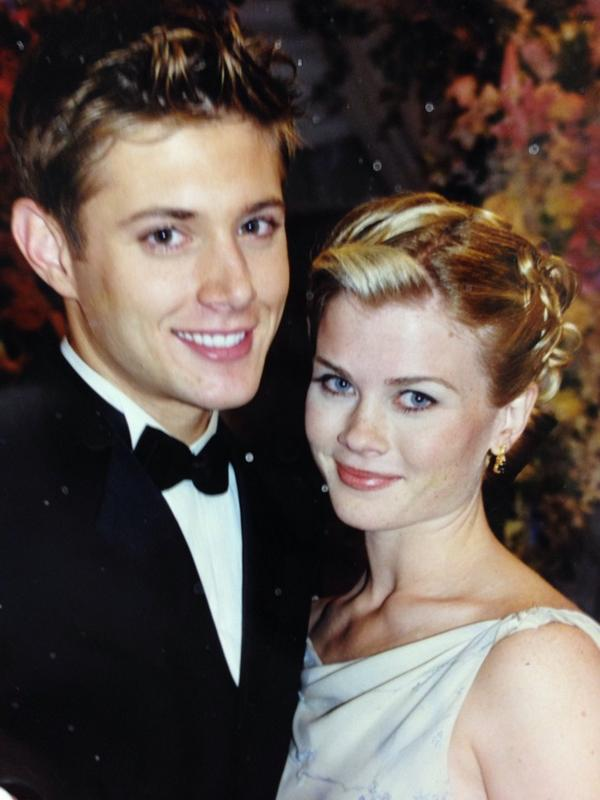 Welcome to twitter @JensenAckles !!!! XXOO http://t.co/dO2bphK39B