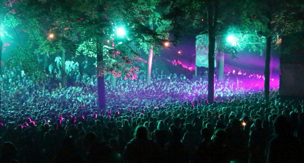 10,000 people raved in the woods at #leedsfestival as @netskymusic & @wilkinsonuk played on our stage last night. http://t.co/n0aAs391Yz