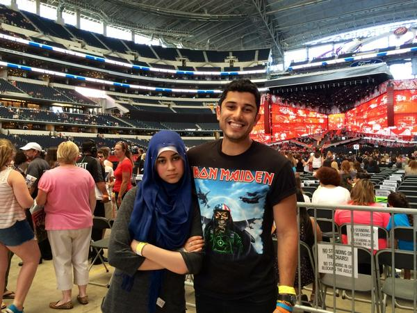 My little sister doesn't even like One Direction but I made her come with me so I don't look like a creep #WWADALLAS http://t.co/X4Gd9kryRm