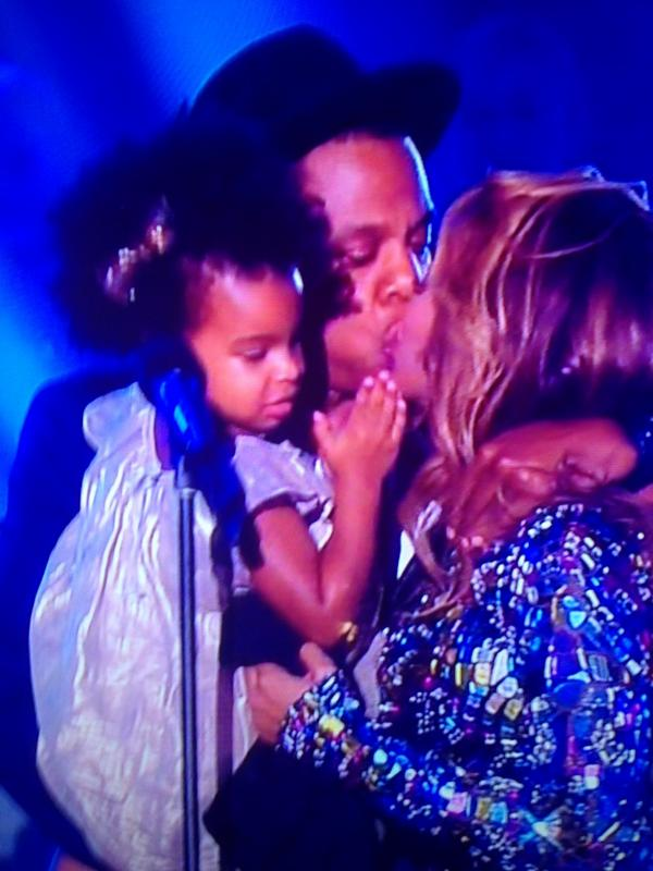 What divorce?! #nomoreplease #vmas2014 #beyhive http://t.co/XAIVhBWJIy
