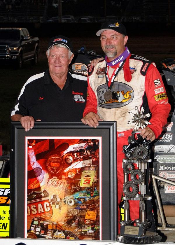 RT @USAClive: The two winningest USAC Sprint Car drivers of all-time! @DaveDarland passes @TomBigelow43 for the new record! #53 http://t.co…