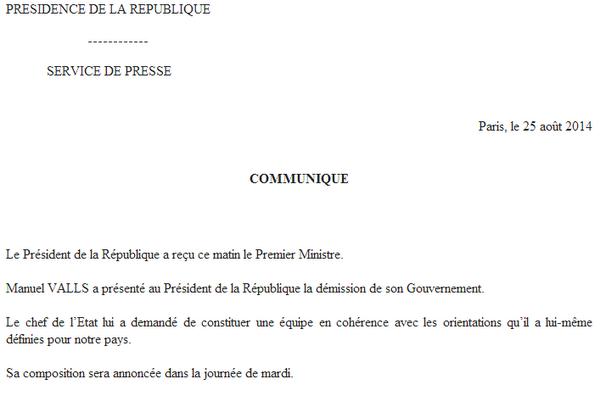 Manuel VALLS a présenté au Président de la République la démission de son Gouvernement http://t.co/5kijTGCO06