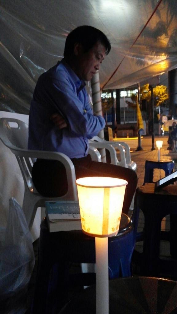세월호특별법 제정촉구, 단식  첫날 저녁을  맞이 합니다. 비오는  울산에서... http://t.co/qei77HV8yg