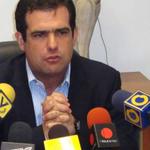 """RT @PorHumanidad: Archivo: @AlfredoRomero : """"Hay que resarcir el daño a detenidos inocentes"""" http://t.co/6GwYLH8O6O vía @ELUniversal http://t.co/yccAip9i7d"""