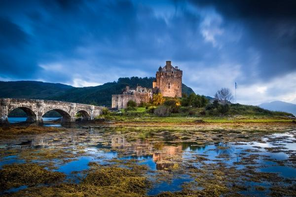 Popular on 500px : Eilean Donan Castle by PeteBondurant #photography http://t.co/lI3Ag2ddJM http://t.co/Lz18g42EDo