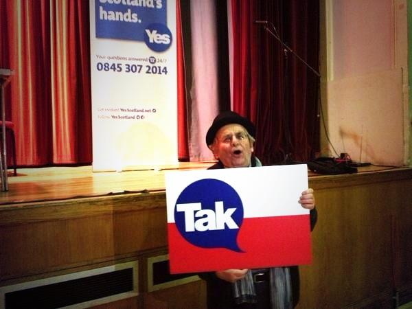 #DrWho says YES! Scottish Actor #SylvestorMcCoy shows his support for Independence #VoteYes #IndyRef #GoForItScotland http://t.co/AyR67CLXlS
