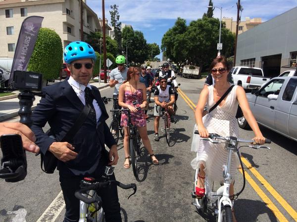 A group of nominees including Mad Men's @TomSmuts rode their bikes to the Emmys with @LACBC and @LABikeTrains http://t.co/EpL7AGyoiZ