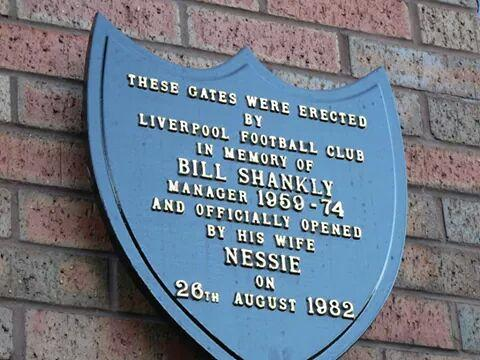 """Outside the Shankly Gates...."" 26th August 1982. Thirty-two years old today. http://t.co/YXwynH0isI"