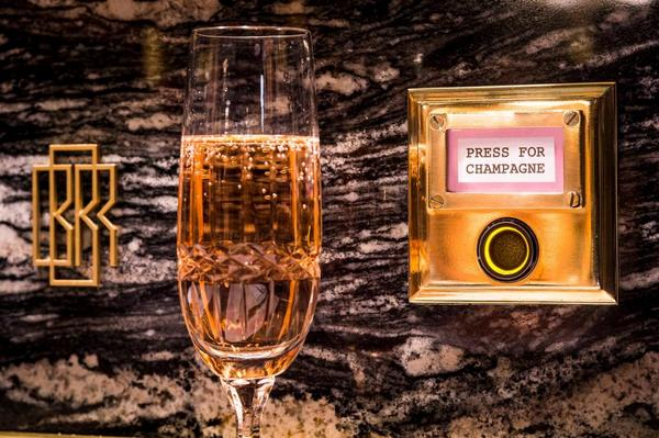 Fancy pressing London's most dangerous button? Enter for a chance to win a £250 dinner on us http://t.co/OHWbZ8aoU1 http://t.co/5DLfvcFW8o