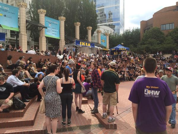 Several hundred people at #NMOS14 in Portland @KGWNews http://t.co/hRRhSkpykP