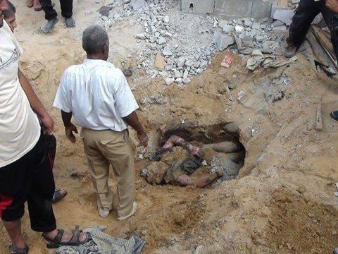 RT @mohamed_mdn: ما أعظمها من شهادة..مقبلاً غير مدبر! أحد أبطال #القسام قاتل جنود العدو وجهاً لوجه من أحد الأنفاق حتى قصفته الطائرات ! http://t.co/6aGd0pGM40