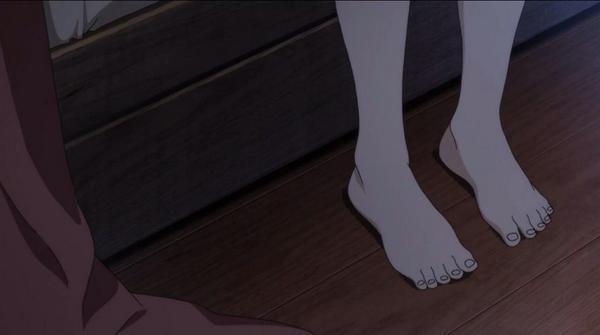 【グラスリップ】「深水 透子」の裸足綺麗に描いて欲しい