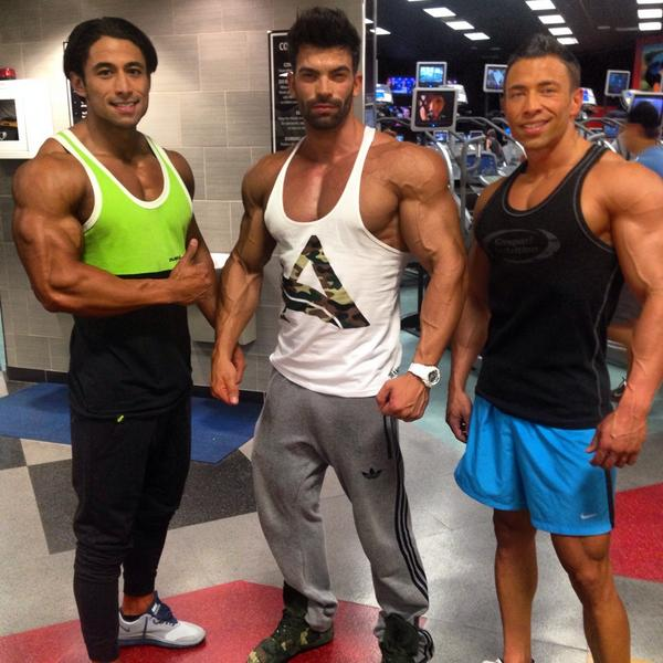 Late night smash session with the new homie @Sergiconstance and my brother @gonzalesmj   #wbffworlds2014 @THEWBFF http://t.co/GwYWVbrnAM