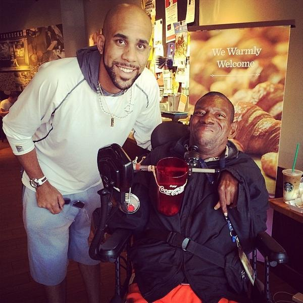 Thx to Detroit @tigers pitcher @DavidPrice14 for stopping by & taking a picture w/my friend Reggie! #MadeHisDay http://t.co/wtEPvXXuB6