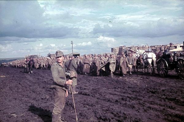 Белгородская область в объективе немецкого фотографа Франца Грассера, 1943 год (44 фото) http://t.co/v2noKy6Cml http://t.co/QMPydmyvNa
