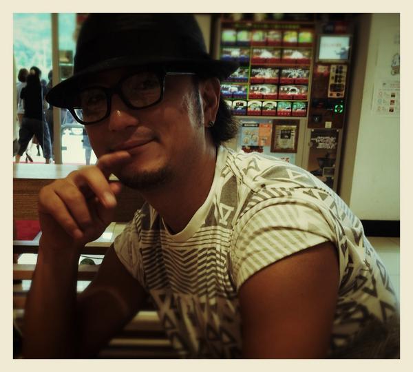 八代(宮原サービスエリア)で昼ごはん食べました。熊本ラーメン美味しかった!! http://t.co/nRKuycbnob