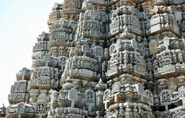 Artistry of the Hoysalas in stone is as exquisite as the finesse of an ivory worker #Somanathapura #Mysore http://t.co/su5l9STRjd