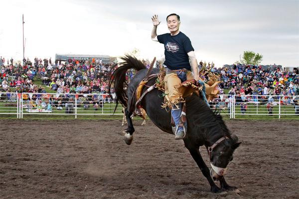 @GeorgeTakei perfect rodeo pose! #PhotoshopGeorgeTakei http://t.co/CO56F9SFyC