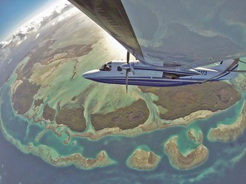 Plane taking a selfie: http://t.co/ULewQgT8wb