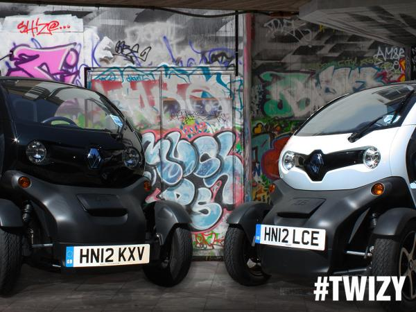 Win a #PS4 by telling us which Twizy you think the PlayStation 4 is in! Include #Twizy AND #Black OR #White http://t.co/iJDbwuZfyi
