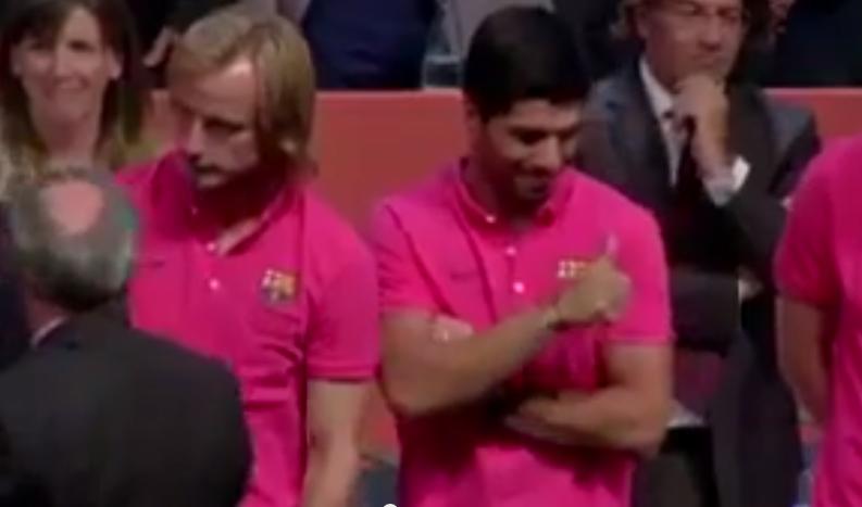 Luis Suarez, Vermaelen, Rakitic et al presented to Barcelona fans [Video]
