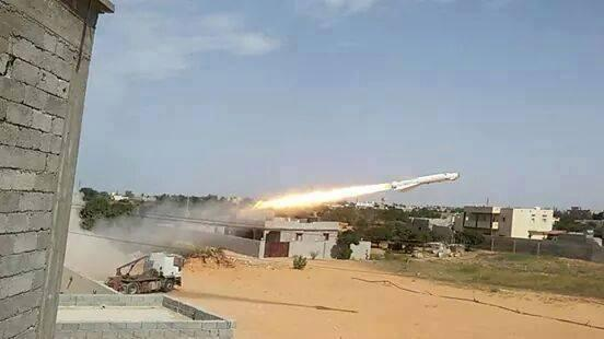 Photos shows what appears to be a rocket launched from a #Fiat truck  is this #SCUD  #experts Leveling it up #Libya http://t.co/vBlWNpCpJV