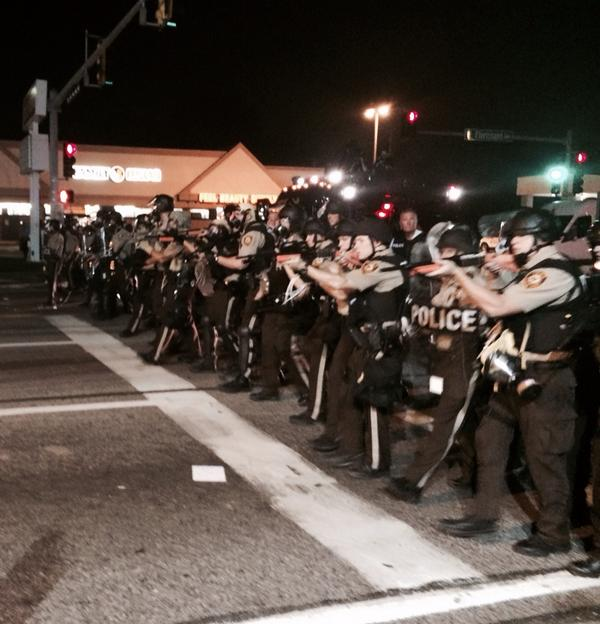 One of the most horrible pictures last night out of #Ferguson, line of shooters, guns raised... http://t.co/lCbadKZcLB via @Obi_Mar_Kenobi