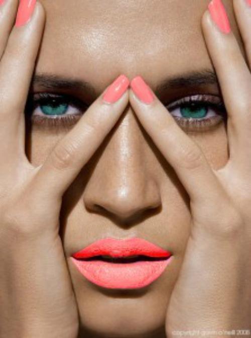 ¡Este verano llena de color tus uñas! #moda #summer #nails ¡Estos son los colores de moda! https://t.co/BMsmI4PNUP http://t.co/yQ2tMBTs7l