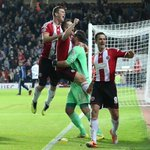 RT @SUFC_tweets: Celebrations after the penalty shoot out victory over West Ham. #sufc #twitterblades #CapitalOneCup http://t.co/ccUq6zO2y2