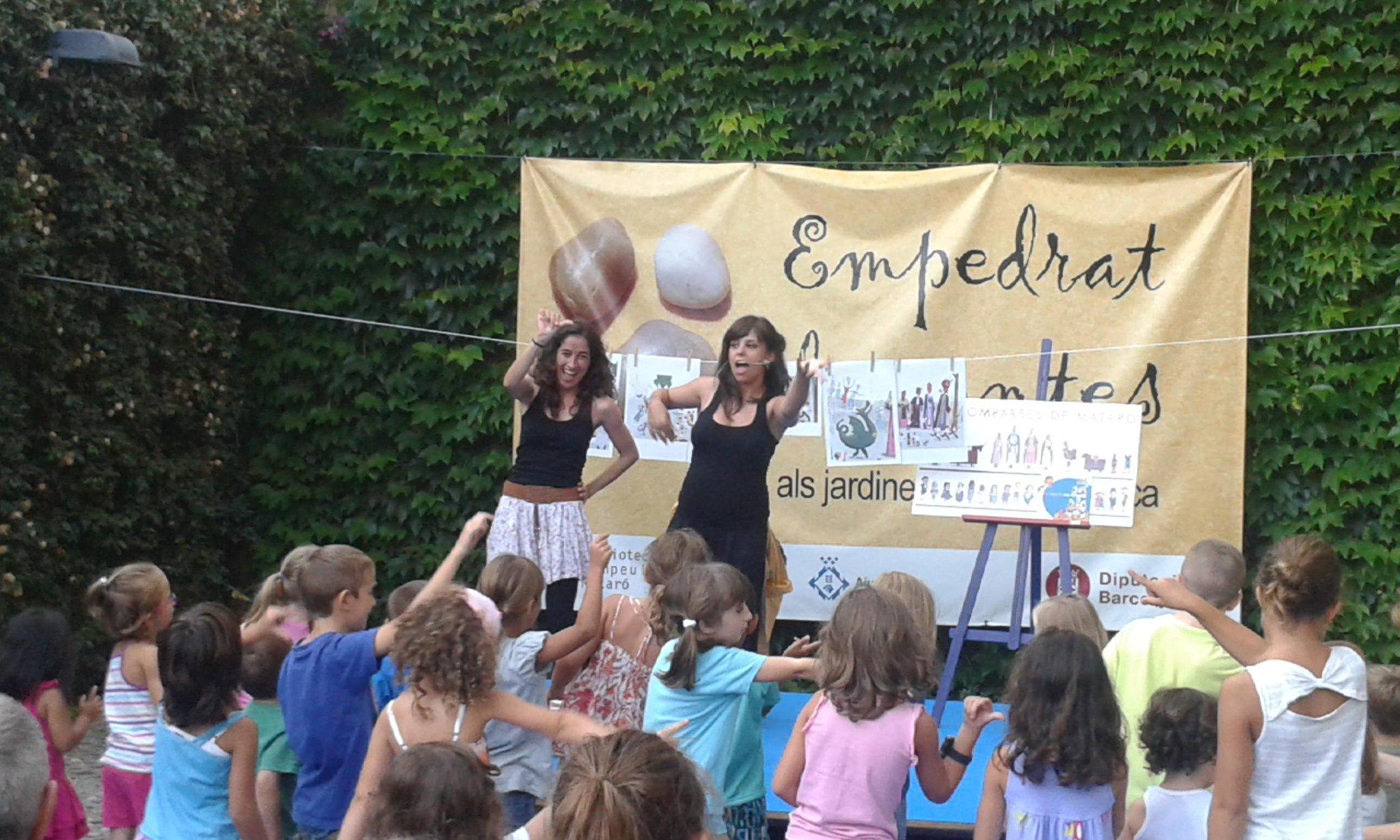 @Matarovalors @APSOinterpretes  Hora del conte especial en català i en llengua de signes catalana a biblioteca. http://t.co/9sRC5mlaFE