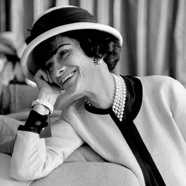 """""""Fashion passes, style remains."""" Happy Birthday to the timeless Coco @CHANEL #CocoChanelDay http://t.co/1SskK1PkQc"""