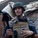 "American journalist James Foley is beheaded by ISIS on video after reading message that his ""real killer"" is America. http://t.co/cJQr5dU2cY"