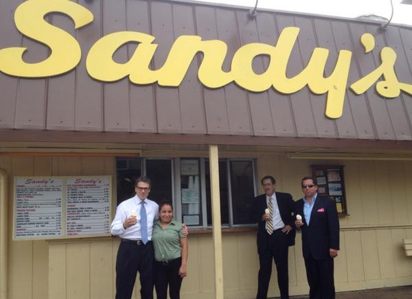 And then, ice cream cone at #Sandy's http://t.co/rDYW6HvoS5