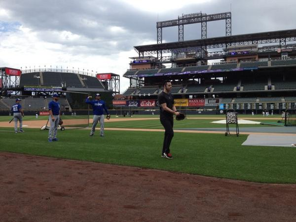 Jack White also hit during @Rockies batting practice today. He's a lefty, folks: http://t.co/HycGWTF6Qy http://t.co/78LPPehnHV