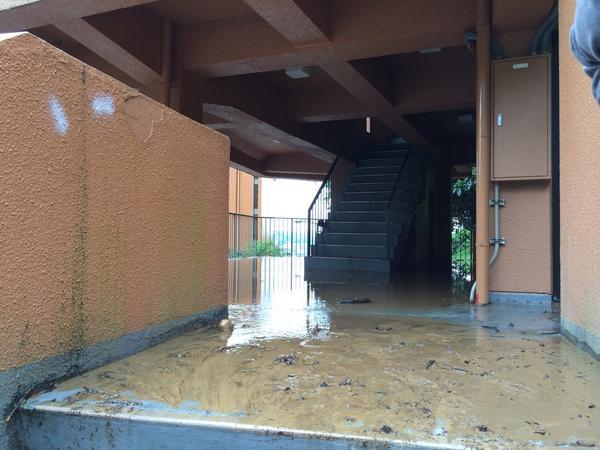 広島のFランク大学、土砂崩れに巻き込まれる 授業は予定通り実施
