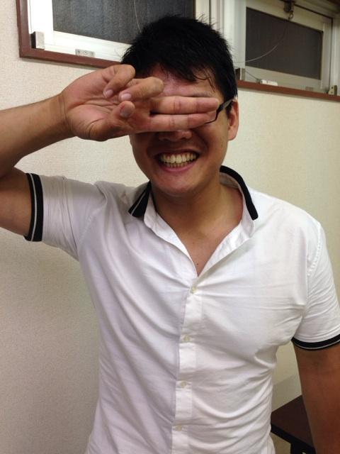 ユニオン会見終了。新たにユニオンに入団したこの男が、8.31新宿FACE大会でマスクマンとしてデビューすることが決定!正体が分かってもwikiに書いちゃダメだぞ! http://t.co/nHQt3jdhoQ