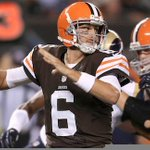 THIS JUST IN: The Browns announce Brian Hoyer as their starting QB to start the season. http://t.co/PUwwphdRtI
