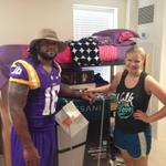 RT @LSUfball: Terrence Magee helped Emily, a freshman from Wisconsin, carry her things into her dorm during #LSUMoveIn http://t.co/5ugiE03mU9