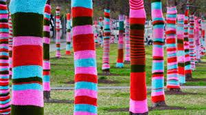 can you help us yarn bomb the Isle of Wight at Bestival? pls send knitting/crochet/pompoms/spare yarn to IKL shop http://t.co/Yk7yxjF9Hv