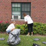 RT @UWBEC: Thanks @perrysicecream for volunteering at our 22nd Day of Caring! @UWBEC #DOC2014 http://t.co/zJZmOSYN05