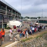 Fans already lined up at #LLWS to watch Mone Davis. Her game doesnt start for NINE more hours (7:30 ET on ESPN). http://t.co/dC1zVNvJ4u