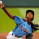 RT @CNNLiving: Meet Mone Davis, the 13-year-old pitching phenom who just landed a @SInow cover: http://t.co/yXtcu8H4z8 http://t.co/BhlHLcVNSi