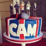RT @Polish1DUpdates: Cameron (chłopczyk ze sceny) i jego tort urodzinowy http://t.co/XIFwT4dBcX